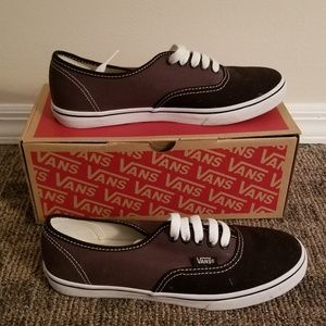 145f7ba91845 Vans Shoes - Two toned authentic lo pro